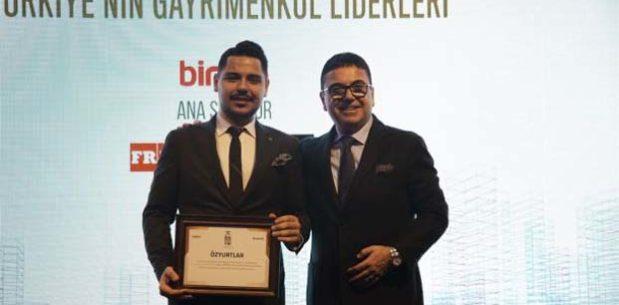 Özyurtlar Holding'e en çok konut üretimi yapan şirket ödülü!