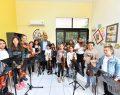 Üsküdar Belediyesi'nden sanata yatkın çocuk ve yetişkinlere büyük destek