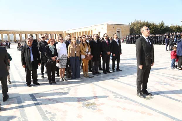 Ankara Reklamcılar Derneği üyelerinden Anıtkabir'e 30.yıl ziyareti