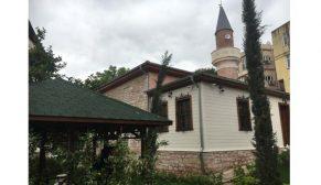 Restore edilen Davut Ağa Camii ibadete açıldı