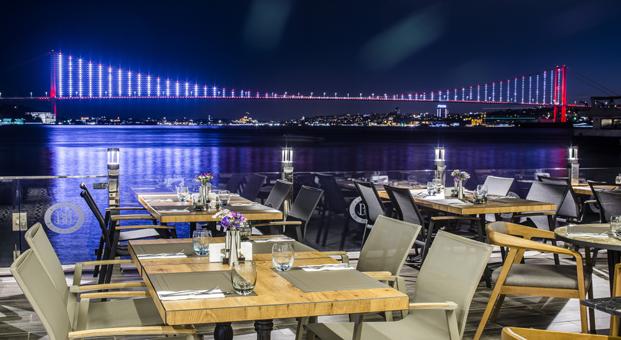 Çengelköy'ün Boğaz'a açılan lezzet mekanı Beyaz Bosphorus