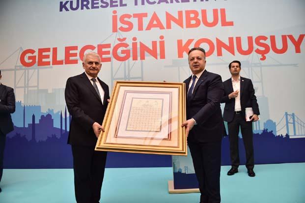 İstanbul Büyükşehir Belediye Başkan Adayı Binali Yıldırım, İstanbul'da ihracatçılarla buluştu.