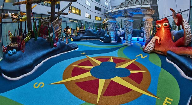 Disney hastanede tedavi gören çocuklar için su altı temalı dev oyun alanını hayata geçirdi