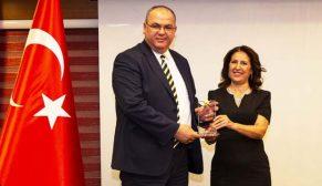 Eminevim'e istihdam ve ekonomiye katkı ödülü