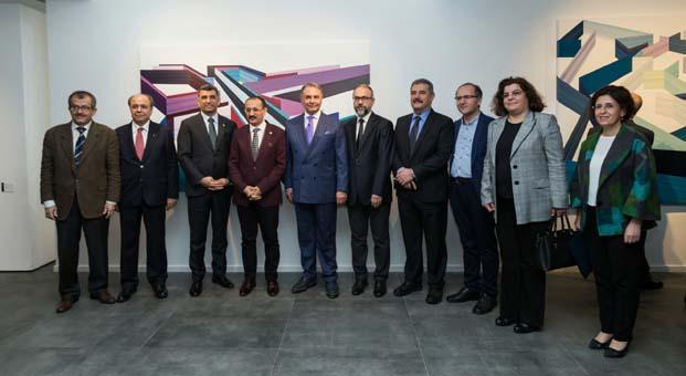 İzmir yeni bir sanat mekânı kazandı:Kazım Türker Sanat Galerisi