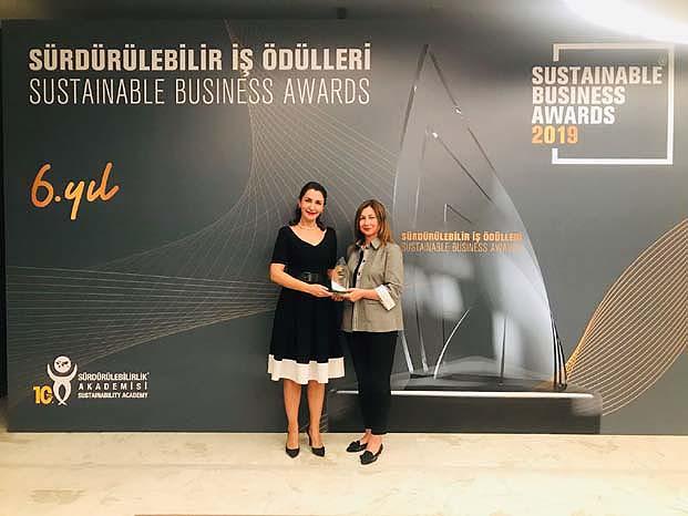 Şişecam Topluluğu Cam Yeniden Cam Projesi ile Sürdürülebilir İş Ödülü'nü kazandı