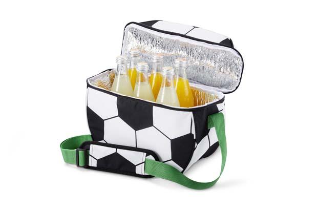 Futbolun en sıcak günlerinde soğuk içecekler için…