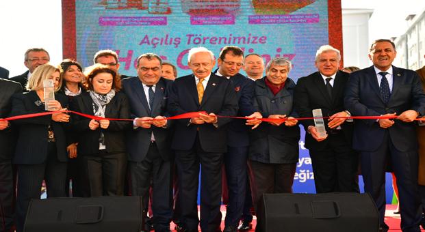 Kılıçdaroğlu'ndan  Öğretmenler Günü'nde anlamlı teklif