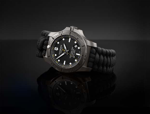 Su altında sınırları zorlayan saat