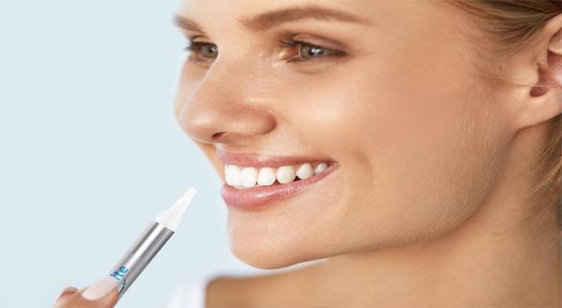 Bembeyaz bir gülüş artık çantanızda: Dr. White Diş Beyazlık Kalemi