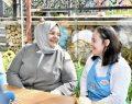 Bakan Zehra Zümrüt Selçuk; Down Sendromlu gençlerin çalıştığı Tebessüm Kahvesi'ni ziyaret etti.