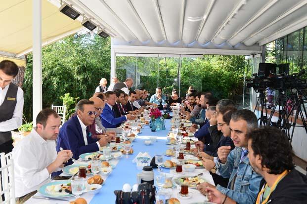 Ağaoğlu'ndan, Ampute Milli Futbol Takımı oyuncularına büyük jest