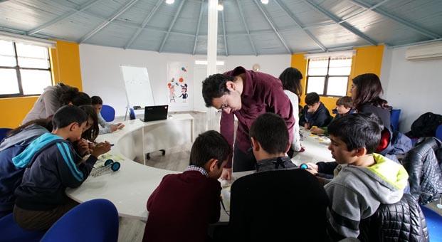 AGT, gençlere verdiği destekle ülkenin geleceğine yatırım yapıyor
