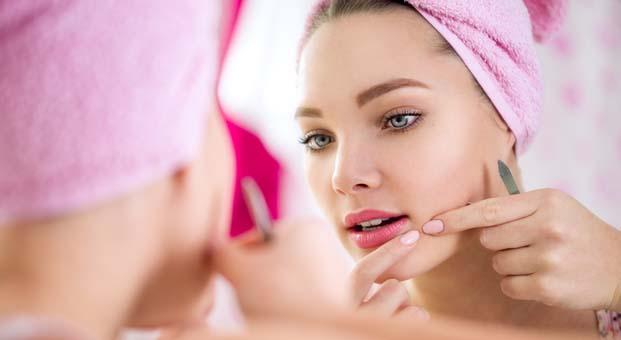 Akne ilacını, dermatoloji uzmanı gözetiminde güvenle kullanabilirsiniz