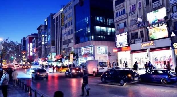 Alemdağ Caddesi araç trafiğine kapatıldı