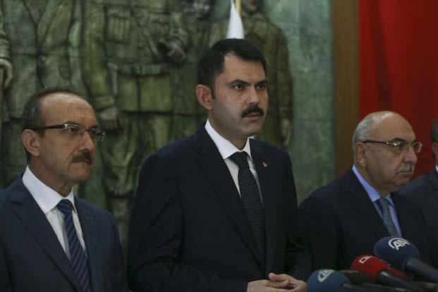 Çevre ve Şehircilik Bakanı Murat Kurum, sel felaketi nedeniyle zarar gören Ordu'da incelemelerde bulunmak üzere bölgeye gitti.
