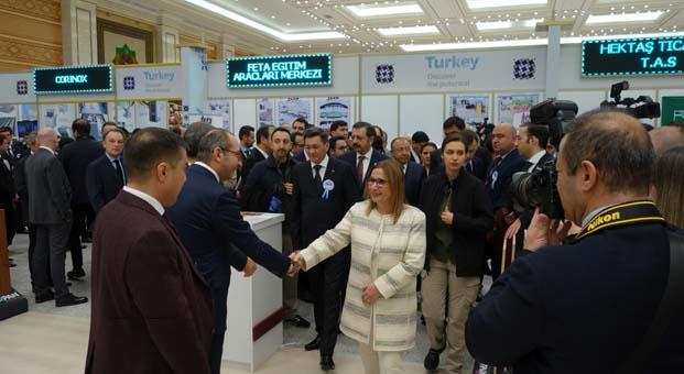 Kastamonu Entegre, fuardaki standındaTicaret Bakanı Ruhsar Pekcan'ı ağırladı
