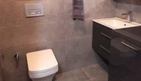 Yurtbay Seramik Anneler Günü Yarışmasını kazanan Sevda Kurt Ayan yeni banyosuna kavuştu