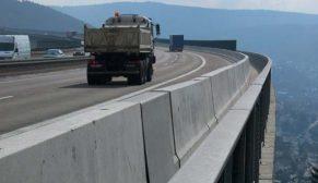 Yollar beton bariyerlerle daha güvenli
