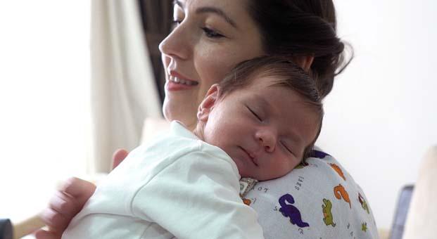 Yeni anneler kaynana değil bebek hemşiresini tercih ediyor