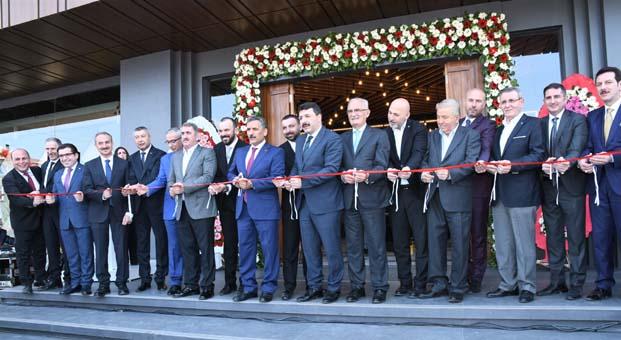 Karadeniz'in en büyük seramik plazası açıldı