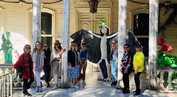 İyilik İçin Sanat Derneği'nden Büyükada'da İstanbul Bienali gezisi
