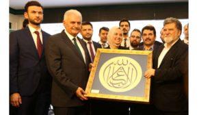Binali Yıldırım Emin Grup iftar davetine katıldı