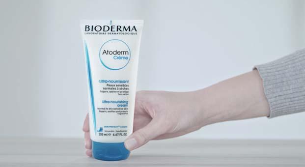 """Bioderma yepyeni reklam filmleriyle, kuruyan cildin tek ihtiyacı """"Atoderm Cream"""" dedi"""