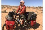 Tam bir yıldır Afrika'da pedal çevirip belgesel çekiyor