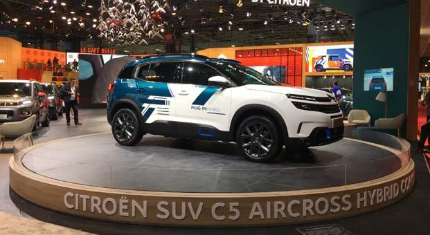 Citroen C5 Aircross'un Plug-in hybrid versiyonunu Paris Otomobil Fuarı'nda tanıttı