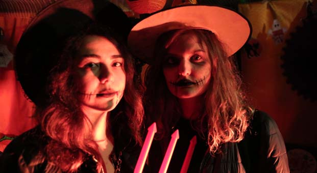 Cadılar Bayramı ormanın derinliğiyle birleşti, 800 kişi gizemli partide eğlendi