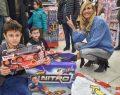 Toyzz Shop Nerf Nitro etkinliğinde Çağla Şıkel rüzgarı esti
