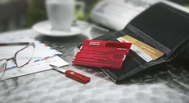 Victorinox'tan kart boyutunda özel çakı