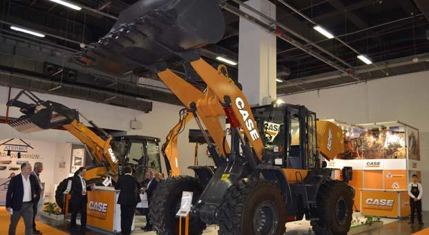 CASE Road2Tunnel fuarında iş makinelerini sergiledi