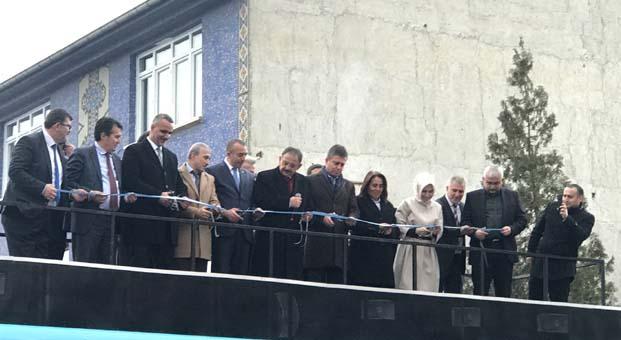 Barış Aydın AK Parti Çayyolu Bölge Temsilciliği'nin açılışına katıldı