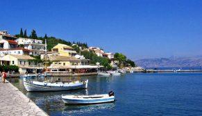 Tatilcilerin gözdesi Çeşme'de yazlık fiyatları el yakıyor
