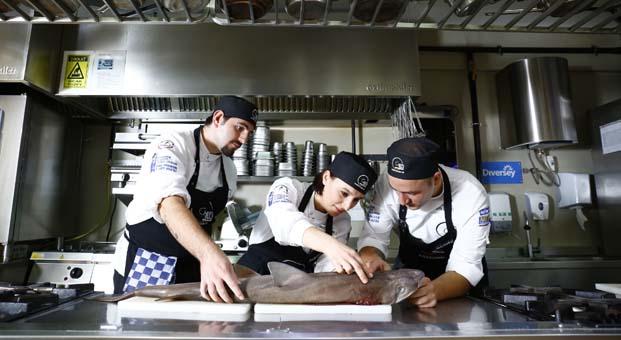 Chef's Table Mutfak Akademisi mezunları en iyi adreslerde staj yapıyor