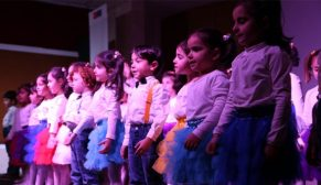 Mülteci çocuklara bir el de Eminevim'den