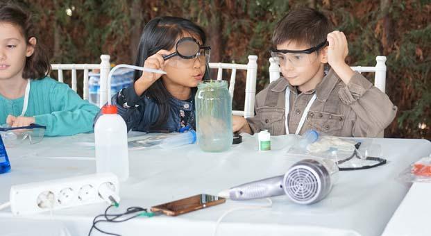 Coşkunöz Holding 'Bu İşte Bilim Var' projesi ile 500 kişiyi