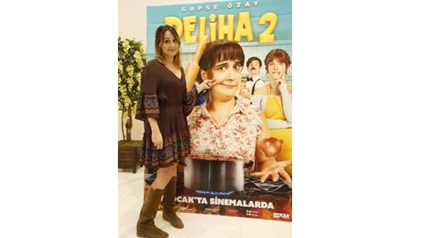 Deliha'da hem hüzün hem de komedi var