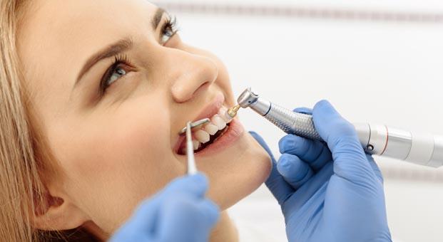Sık diş beyazlatma dişte kararma ve doku kaybı yaratır