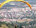 DOSTUM isteyen herkese yamaç paraşütü eğitimi veriyor