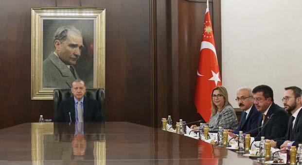 Cumhurbaşkanı Erdoğan, TİM Başkanı İsmail Gülle ve heyetini kabul etti