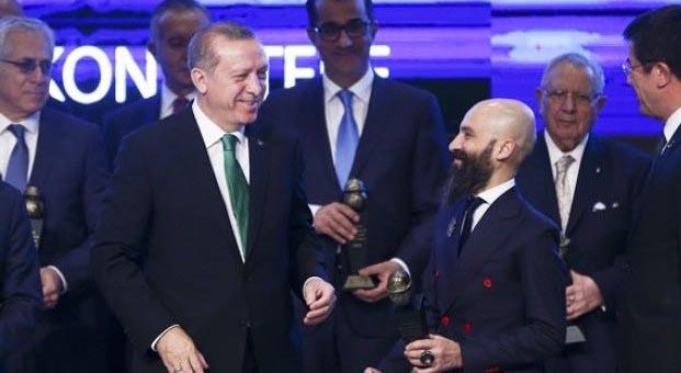 ESTA'ya ödülünü Cumhurbaşkanı Erdoğan verdi