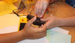 Filli Boya Bilim Kampı Projesi ile çocukların hayatına bir kez daha dokundu