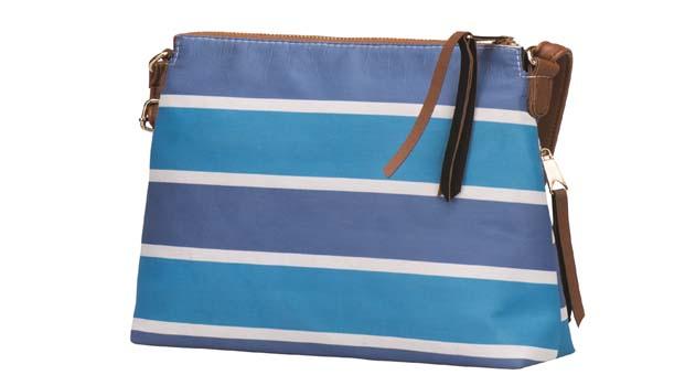 Flo'nun rengarenk çantaları ile yaza enerji katın