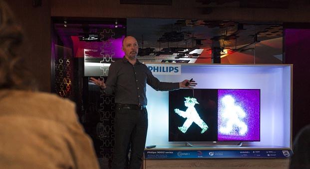 Philips TV yeni koleksiyonunu rengarenk bir etkinlikle tanıttı