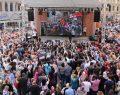 Venedik Alışveriş Karnavalı muhteşem şovlarla başladı