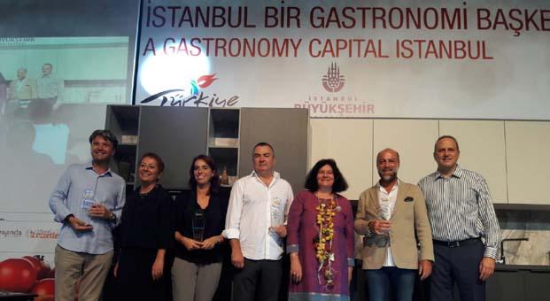 'Gastro Enternainment İstanbul'da Erol Özmandıracı Özel Ödül aldı