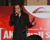Gökhan Kırdar en güzel aşk şarkılarını Ankaralılar için söyledi